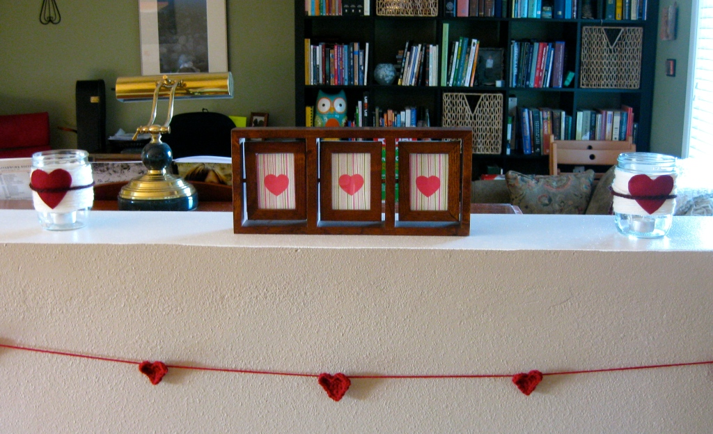 diy valentines decor yarn wrapped jar heart garland