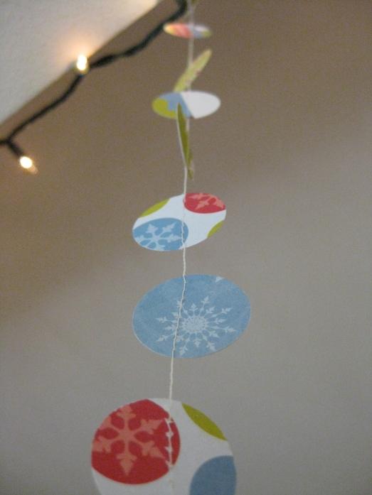 paper punch garland, paper circle garland, diy paper garland