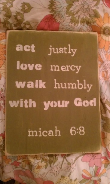 diy painted wooden message board, stencil wooden sign, quote board